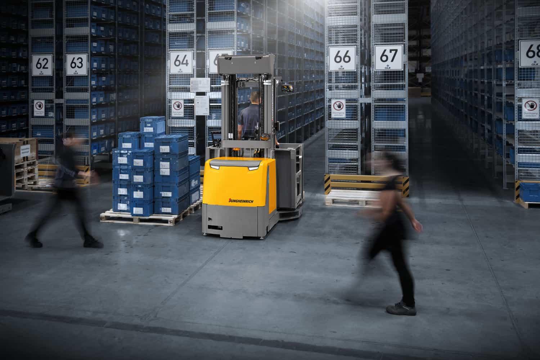 De navigatiemodule is te activeren op onze smalle gangen trucks en hoogbouwtrucks, zoals de EKX.