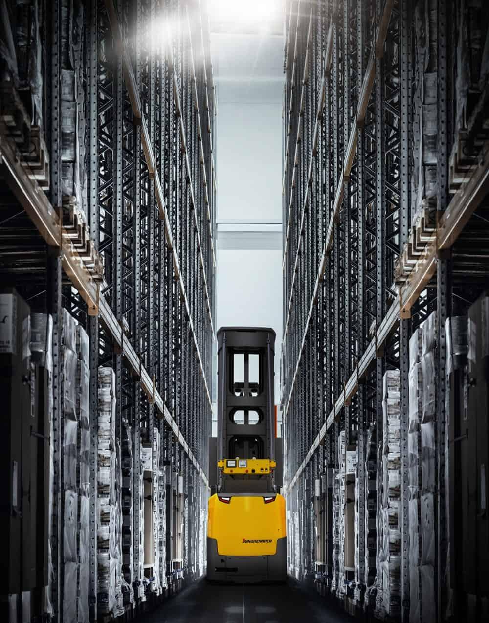 Automatische smalle gangen truck EKXa-min