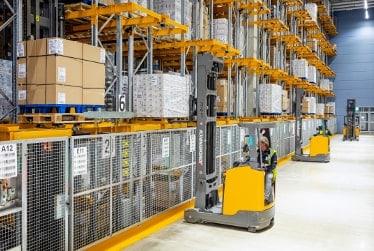 ETX 515 ESM logistiek Semi automatisch smalle gangen magazijn